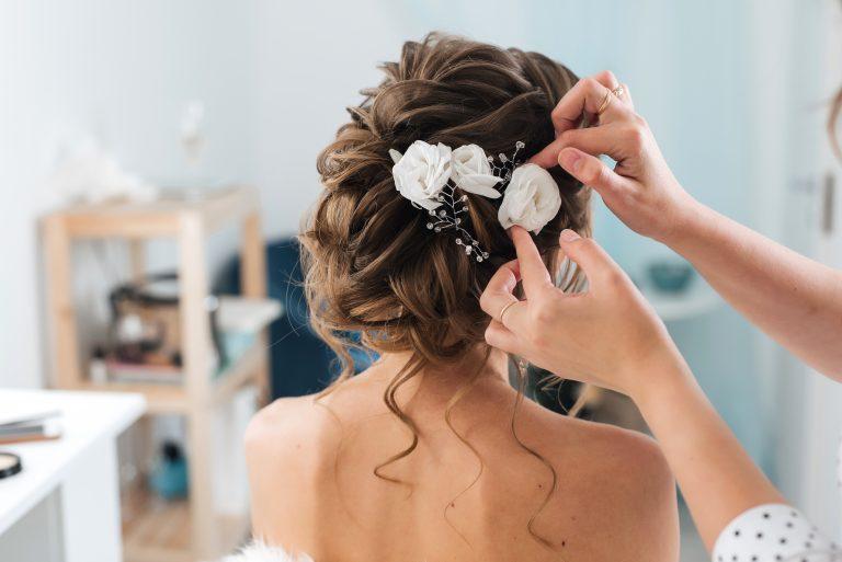 Woher bekomme ich eine Brautfrisur?