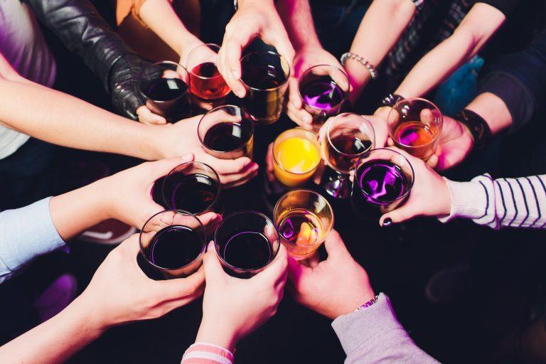 Darf ich auf meiner Hochzeit Alkohol trinken?